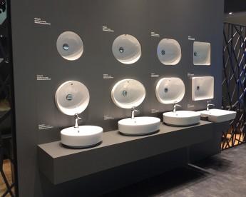 ISH predstavil farebné kúpeľne riadené smartphonom